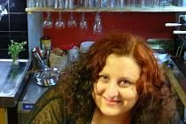 Eleni Akritidu provozuje v centru Jeseníku kavárnu a obchod s regionálními produkty.