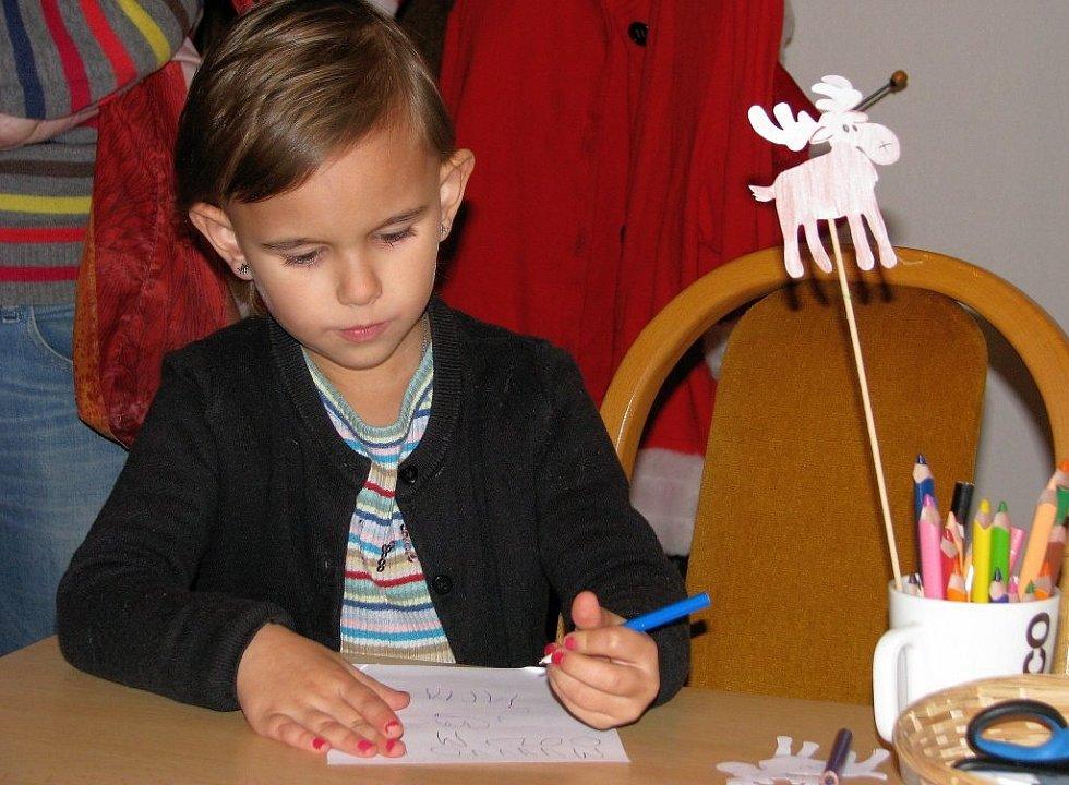 Nová výstava v šumperském muzeu přibližuje návštěvníkům vánoční tradice a zvyky v různých zemích Evropy.