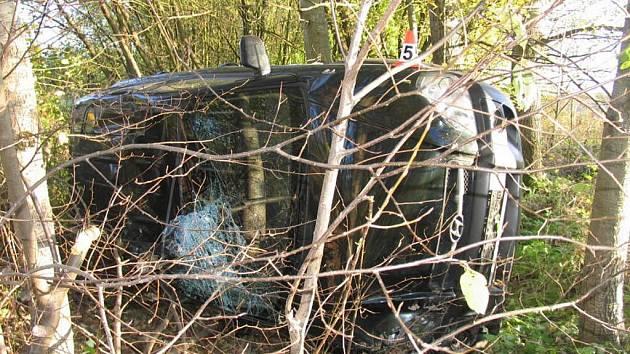 Devětačtyřicetiletá řidička havarovala mezi Rapotínem a Rejcharticemi