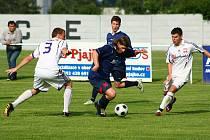 Mohelnice (bílé dresy) během utkání s Dolním Benešovem