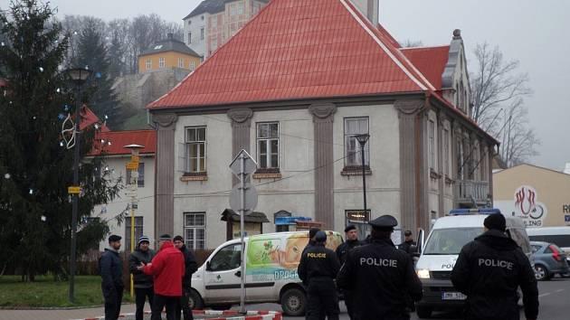 Policejní cvičení v Javorníku 28. listopadu.