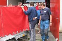 Temeničtí hasiči před výjezdem na akci