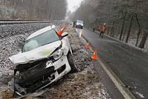 Dvaapadesátiletá řidička havarovala nedaleko Mikulovic.