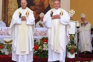 Antonín Basler (vlevo) a Josef Nuzík budou novými pomocnými biskupy Arcidiecéze olomoucké.