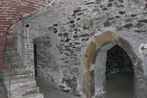 Prázdné středověké sklepení pod mohelnickým muzeem obsadí nová expozice archeologie