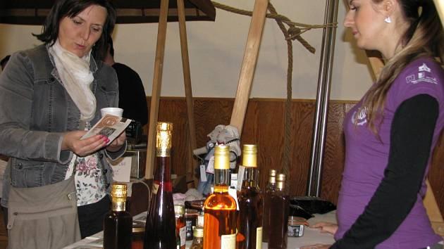 V Hrabové poznávali chutě regionu a um řemeslníků