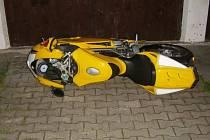 Poškozený motocykl.