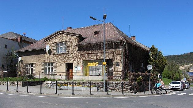 Rodný domek Adolfa Kašpara v centru Bludova.