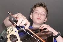 Svým způsobem symbolický bude zahajovací koncert letošního Preludia, festivalu mladých umělcův Šumperku. Jeho jubilejní třicátý pátý ročník totiž zahájí ve čtvrtek večer vnuk zakladatele festivalu, violoncellista Petr Osička.
