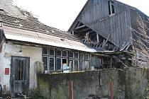 Dům Jana Valíčka ve Vikanticích, kterého policisté vyšetřují pro týrání zvířat