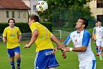 Fotbalisté Šumperku (ve žlutém) proti Přerovu