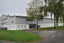 Zimní stadion v Šumperku. Přístavba vznikne v těchto místech před severní tribunou.
