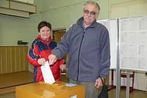 Snímky z eurovoleb v Šumperku: z muzea a z volebních místností v obchodní akademii