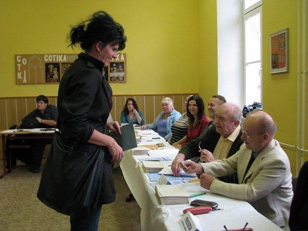 Volební místnost na učiliště v ulici Generála Krátkého v Šumperku.