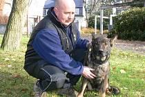 Policista Radovan Morávek se svou služební fenkou Ambrou.