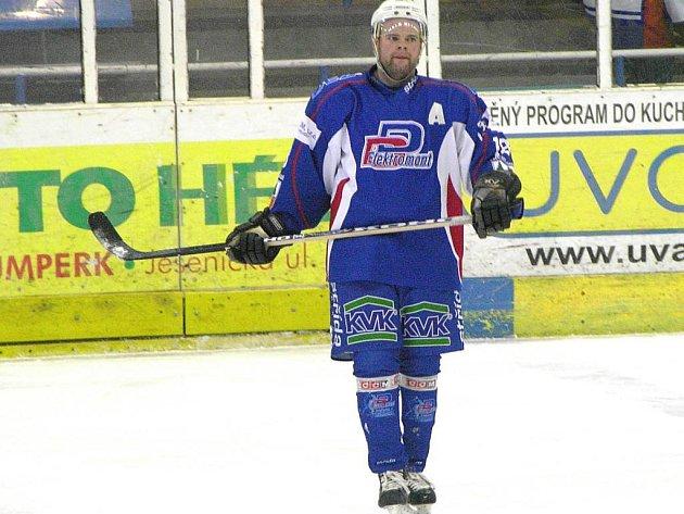 Tomáš Vyskočil ve vrchlabském dresu v sobotním utkání v Šumperku.