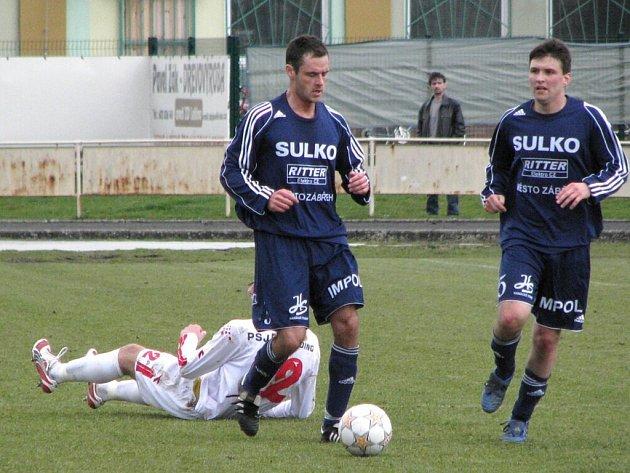 Fotbalisté Sulka s míčem.