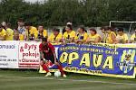 Fotbalisté Olešnice (v bílém) prohráli v Mohelnici pohárový zápas s Opavou 0:6.