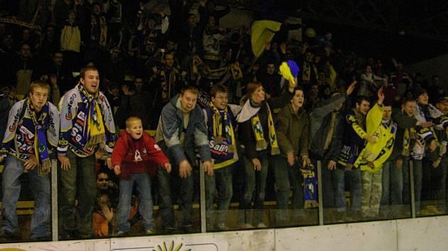 Fanoušci Draků slaví ve Šternberku postup do semifinále v roce 2007