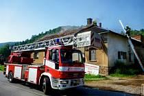 Snímky likvidace požáru řeznictví v Olšanech.