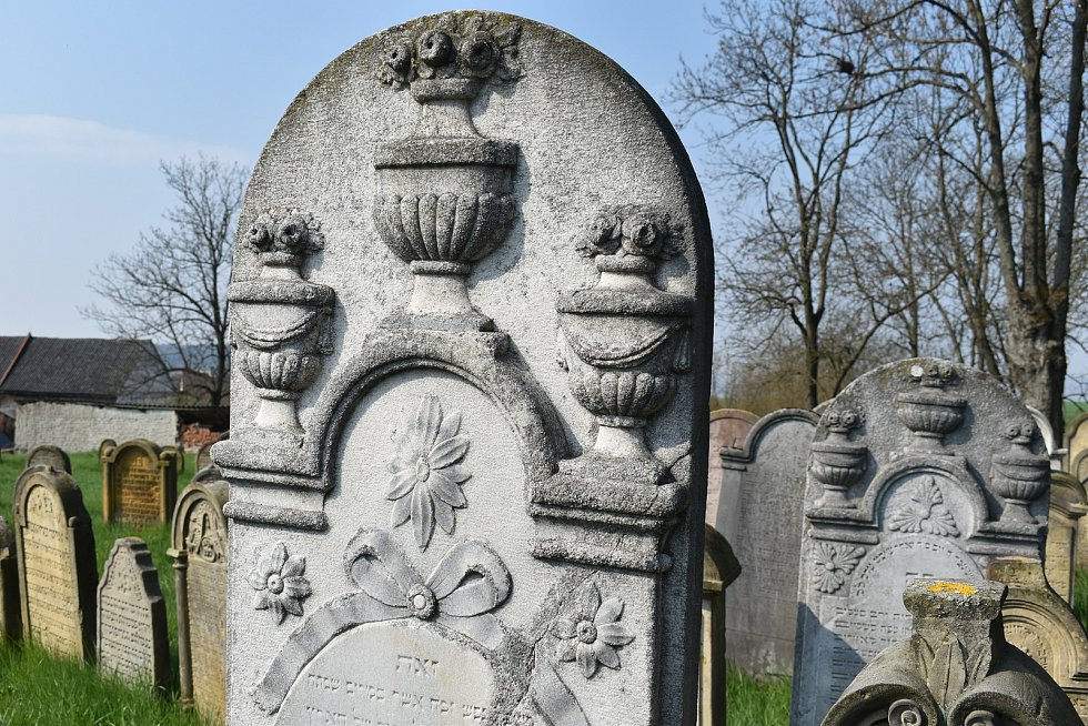 Město Úsov - židovský hřbitov