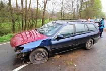 smnáctiletý řidič havaroval v pondělí 14. dubna ráno mezi Bratrušovem a Šumperkem.