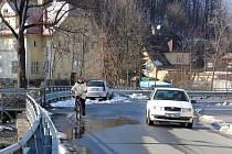 Místo na ulici Rejvízské, kde má ústit nový rejvízský most.