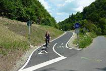 Na cyklostezce z bývalé trati mezi Lupěným a Hněvkovem je velmi rušno zejména o víkendech.