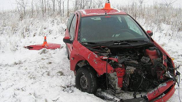 Snímek z dopravní nehody u Bílého Potoka