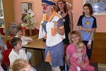 Zdravotní klauní na dětském oddělení Šumperské nemocnice