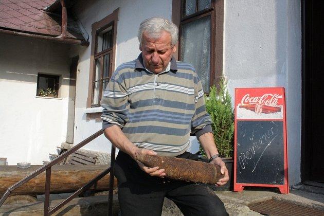 Likvidace nevybuchlé munice vúdolí Drozdovské Pily vdruhé polovině 60.let 20.století.