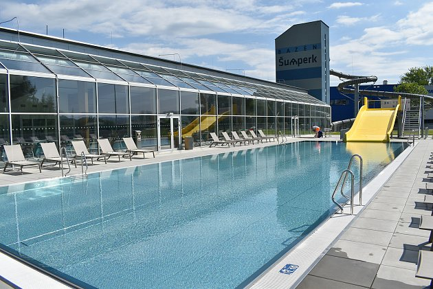 Aquacentrum Šumperk krátce po otevření ve středu 2.června.