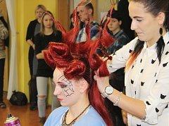 Kadeřnická soutěž Color Cup na Střední škole železniční, technické a služeb v Šumperku.