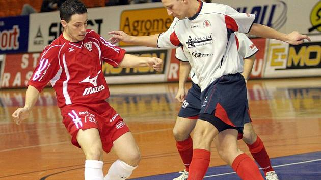 Futsalisté šumperské Delty v útoku.