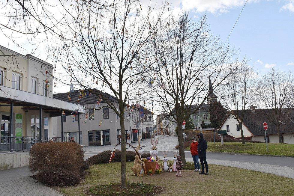 Velikonoční výzdoba v Mohelnici.