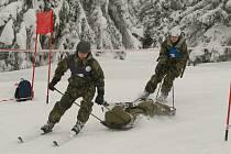 Snímky z prvního dne soutěže Winter Survival