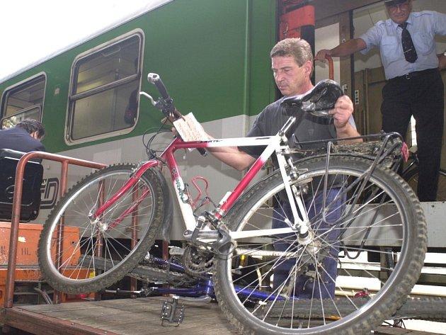 Kolaři ušetří. Při svých cestách vlakem mohou využít novou zvýhodněnou jízdenku.