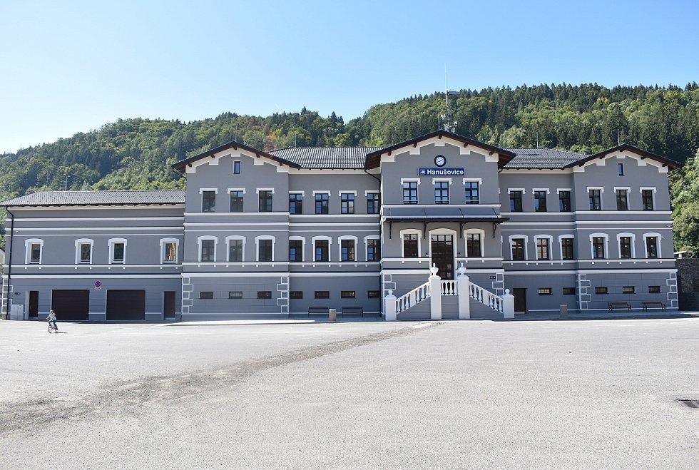 Rekonstruované nádraží v Hanušovicích.