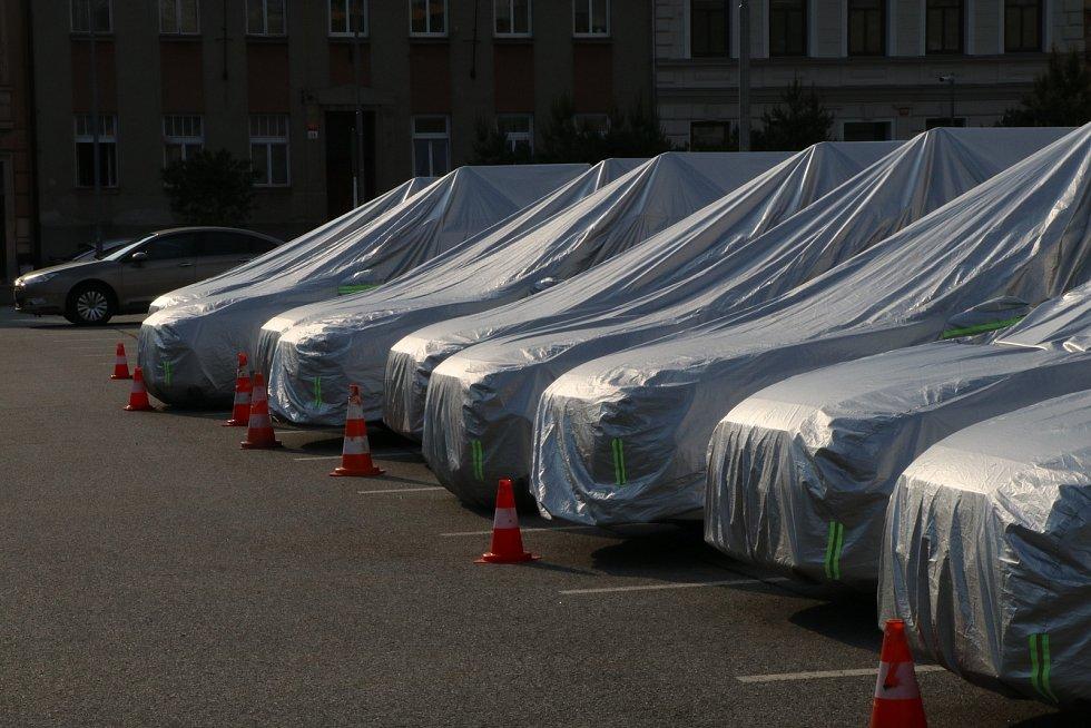 Apple auta u Clarionu v Českých Budějovicích.