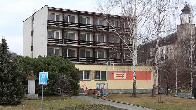 Hotel Vesmír v Žulové se má změnit v sociální bydlení