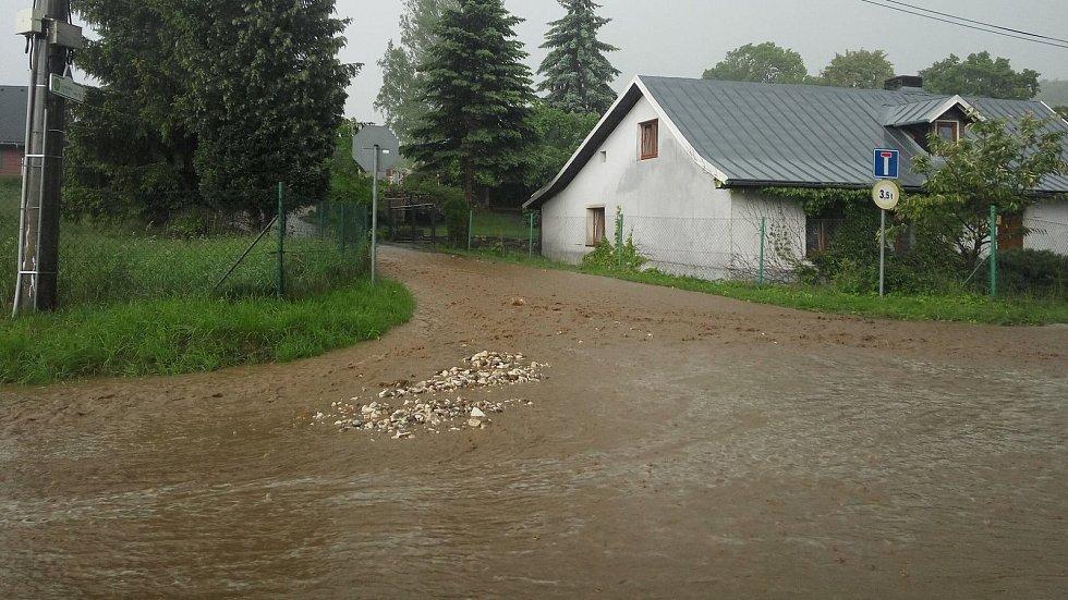 Přívalový déšť ve středu 23. května v Lipové-lázních.