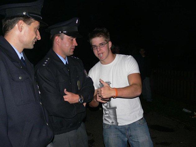 Rozsáhlá policejní akce se zaměřila na požívání alkoholu mladistvými.