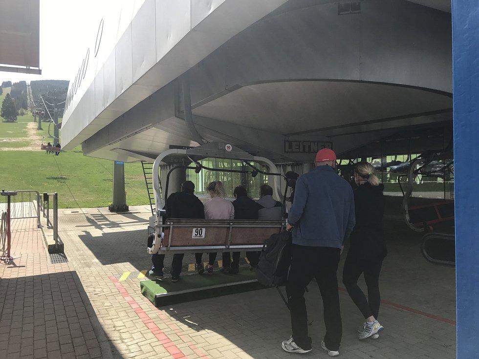 Lanovka na Šerák. 10. května 2020