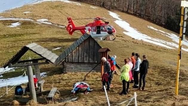 Zásah vrtulníku letecké záchranné služby v Beskydech; středa 24. února 2021