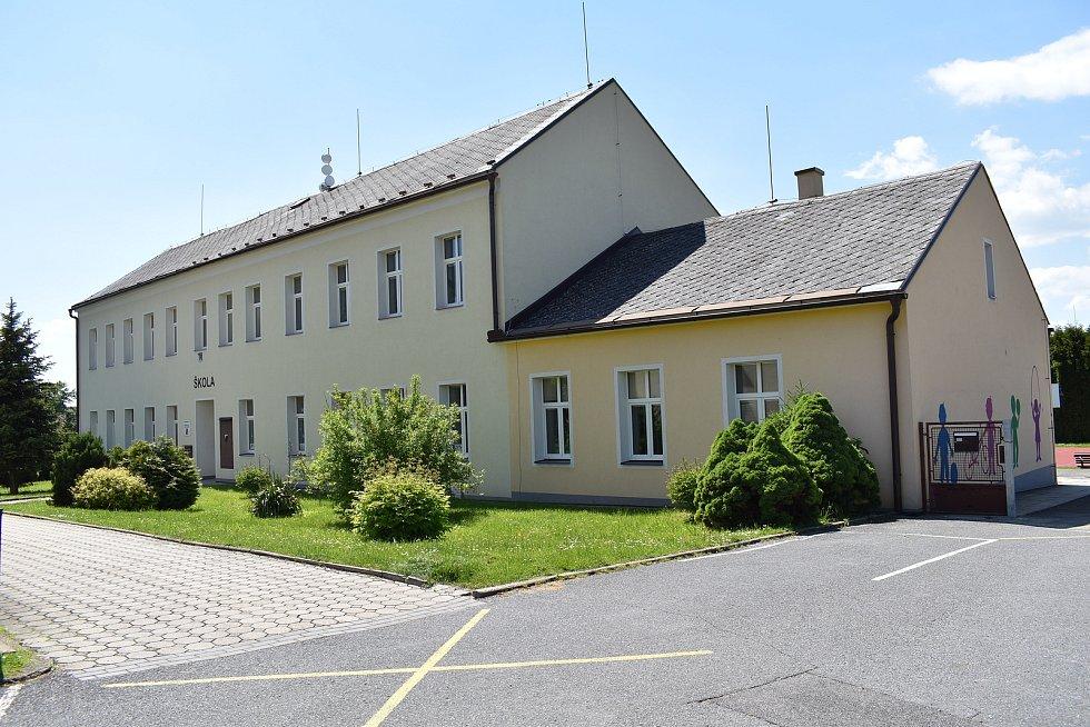 Dolní Studénky - škola.