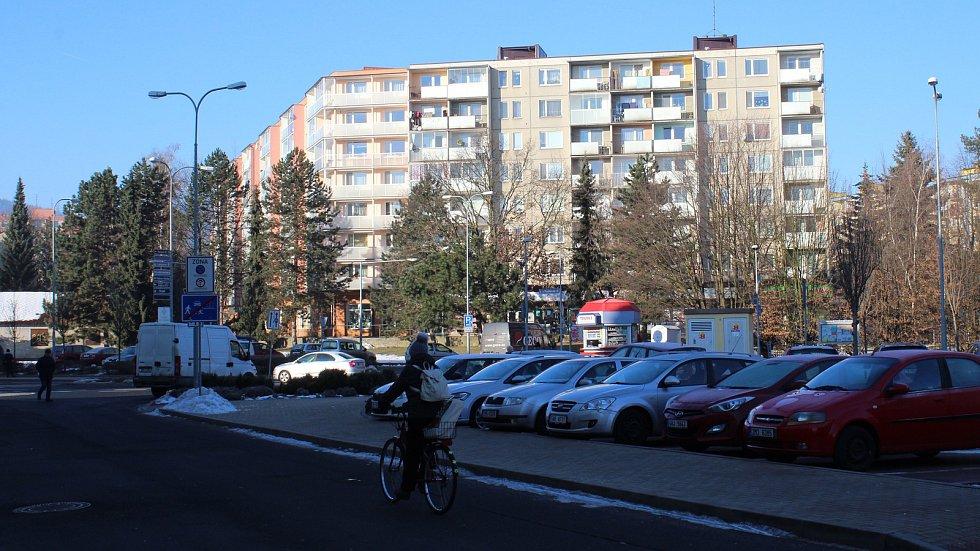 Sídliště Sever je nejstarší šumperské sídliště. Navazuje na historické centrum města. Od základní školy Šumavská je to na Hlavní třídu pěšky dvanáct minut.