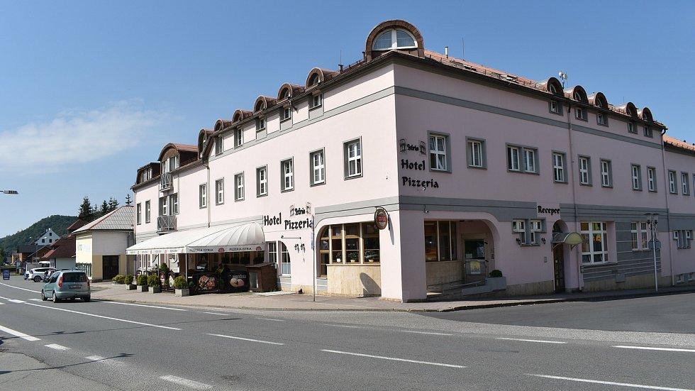 Velké Losiny - hotel a pizzerie Istria.