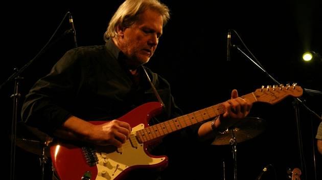 Zahajovací koncert letošního ročníků mezinárodního festivalu Blues Alive.