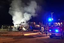 Požár nákladního vozidla u vlakového nádraží v Javorníku
