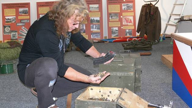 Příležitost seznámit se s historií působení československé vojenské posádky v šumperských kasárnách nabídne výstava, kterou připravilo Vlastivědné muzeum v Šumperku.